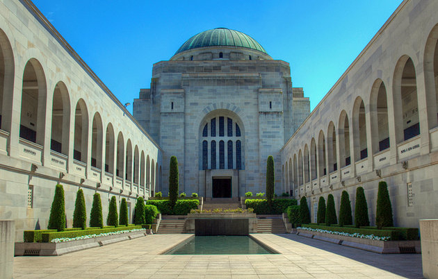 Canberra Day Tours from Sydney
