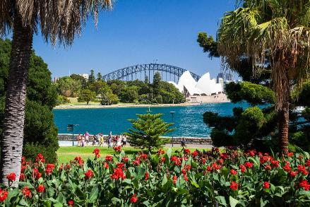 Sydney Private Day Tours, Botanic Gardens and Mrs Macquaries Chair, Sydney Half Day Highlights Ultimate Luxury Private Tour